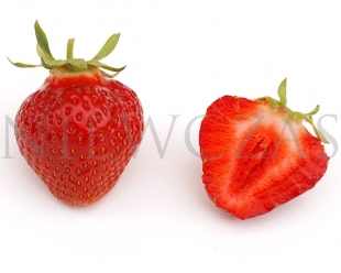 Cut strawberry fruit of the Hokent variety