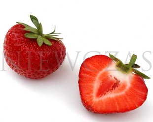Cut strawberry fruit of the Panon variety